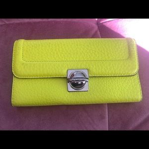 MARC BY MARC JACOBS NEON WALLET
